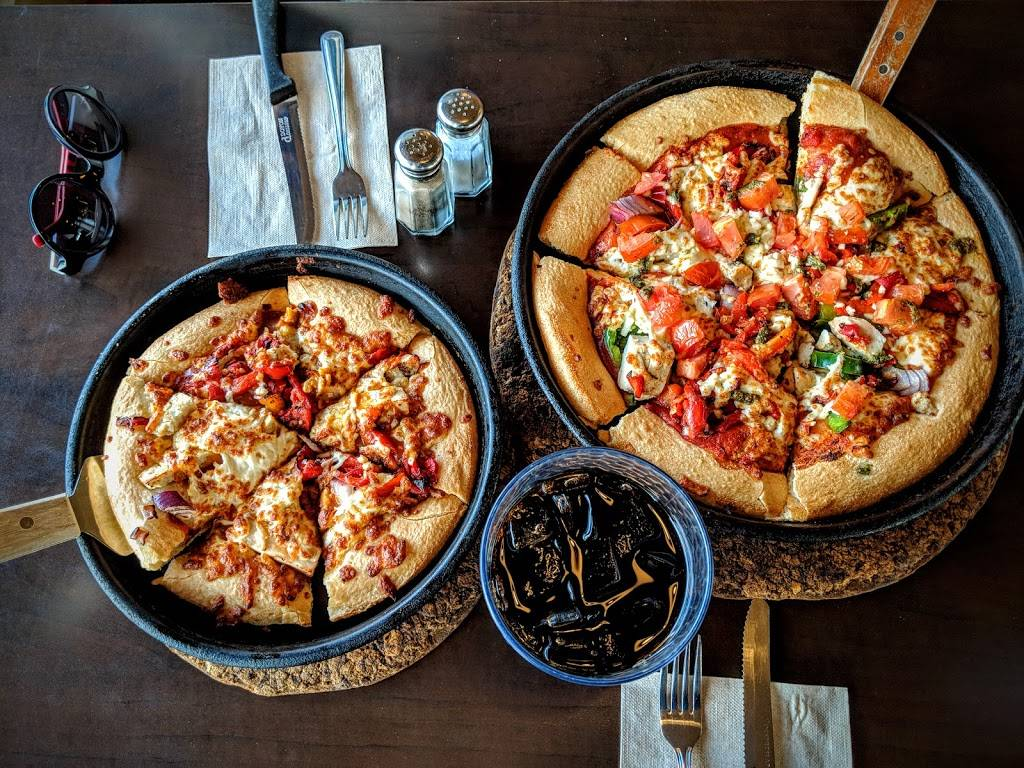 Pizza Hut | meal delivery | 4405 Boul Gene-H.-Kruger, Trois-Rivières, QC G9A 4N3, Canada | 8196932222 OR +1 819-693-2222