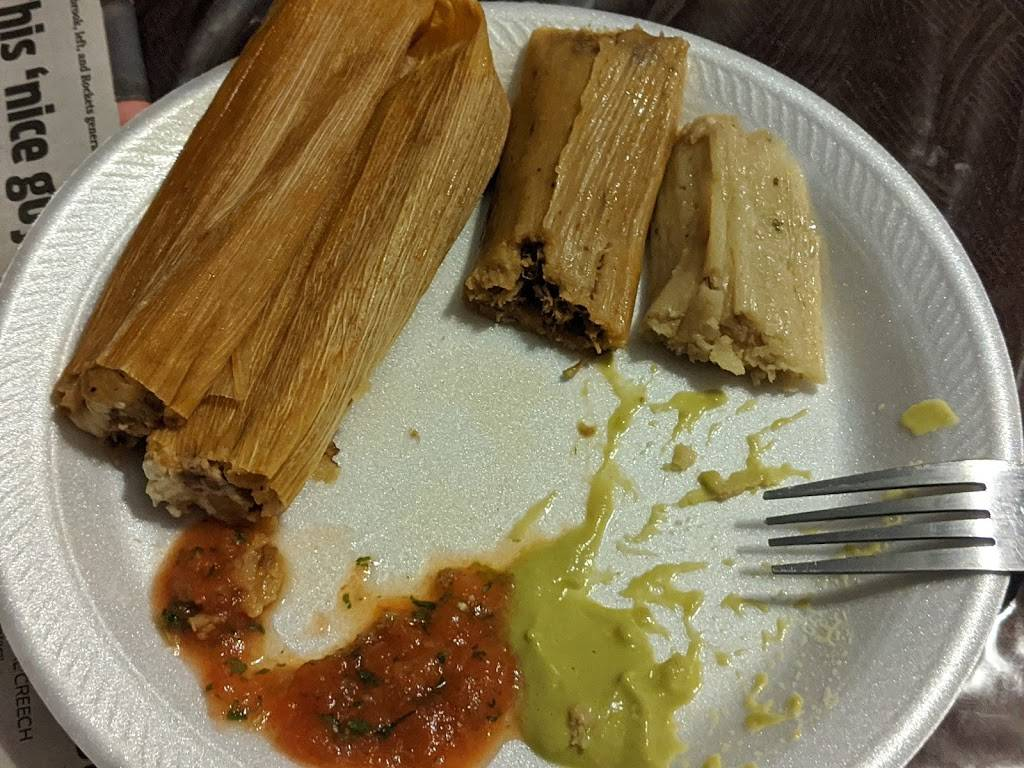 Delias Specializing in Tamales | restaurant | 13527 Hausman Pass, San Antonio, TX 78249, USA | 2108641111 OR +1 210-864-1111