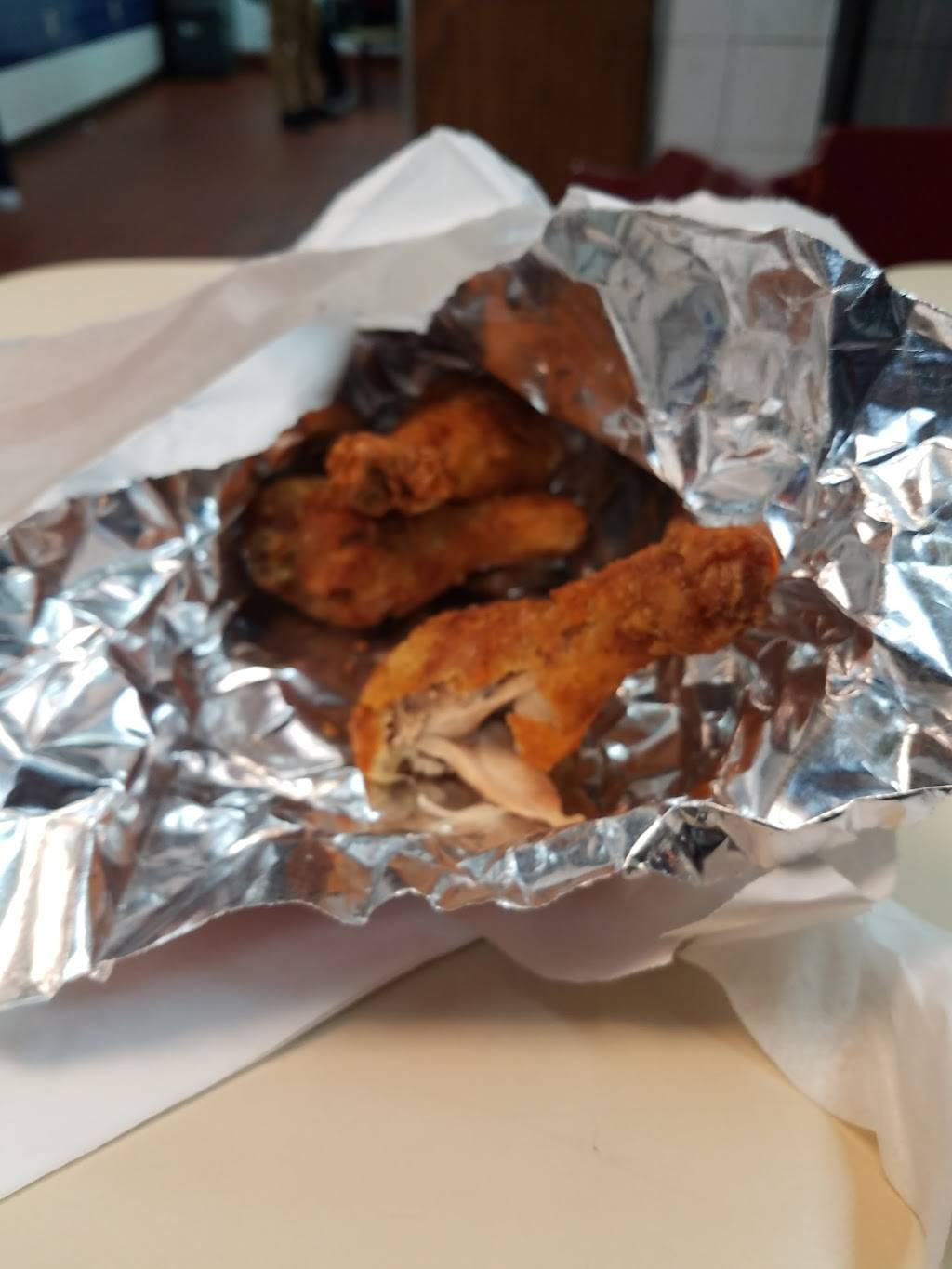Crown Fried Chicken | restaurant | 40 Crescent Ave, Jersey City, NJ 07304, USA | 2014338333 OR +1 201-433-8333