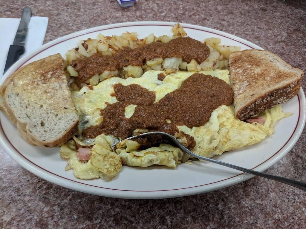 Luckys Texas Red Hots   restaurant   1903 Clinton St, Buffalo, NY 14206, USA   7168266873 OR +1 716-826-6873