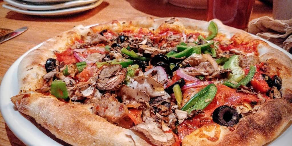 California Pizza Kitchen At Short Hills Mall Restaurant