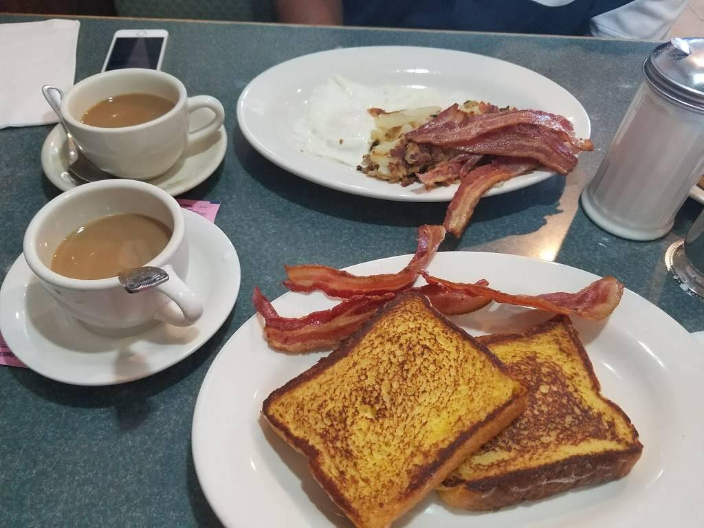 Metro Diner | restaurant | 73-24 Metropolitan Ave, Middle Village, NY 11379, USA | 7183267402 OR +1 718-326-7402