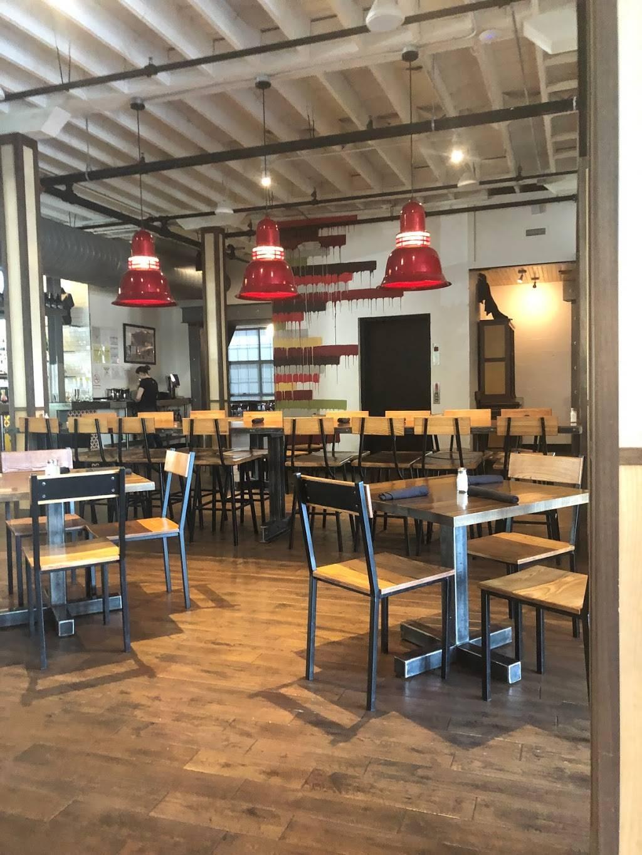 Strawberry Alley Ale Works | restaurant | 103 Strawberry Alley, Clarksville, TN 37040, USA | 9319194777 OR +1 931-919-4777