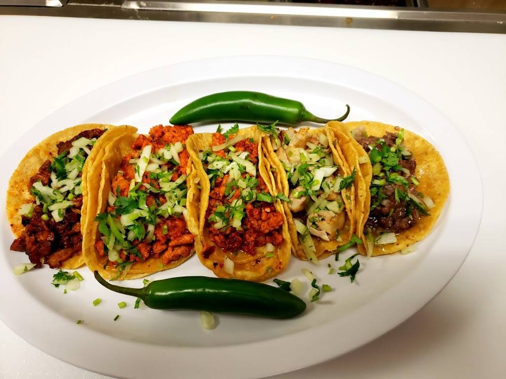 Cemitas Poblanas y Tacos   restaurant   345 W N Ave, Villa Park, IL 60181, USA   6304153070 OR +1 630-415-3070