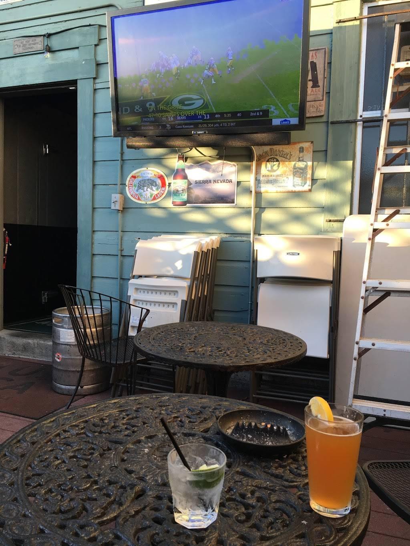 The Four Deuces | restaurant | 2319 Taraval, San Francisco, CA 94116, USA | 4155669122 OR +1 415-566-9122