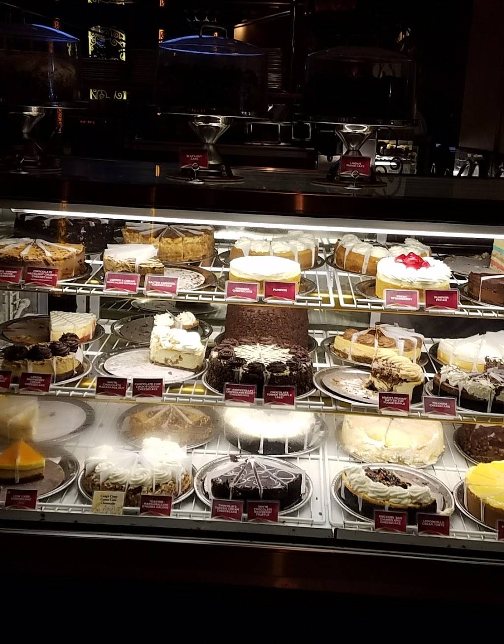 The Cheesecake Factory | restaurant | 640 W Dekalb Pike, King of Prussia, PA 19406, USA | 6103372200 OR +1 610-337-2200