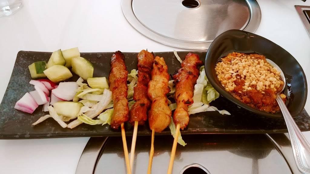 House Malaysian | restaurant | 634 Gorge Rd, Cliffside Park, NJ 07010, USA | 2013138880 OR +1 201-313-8880