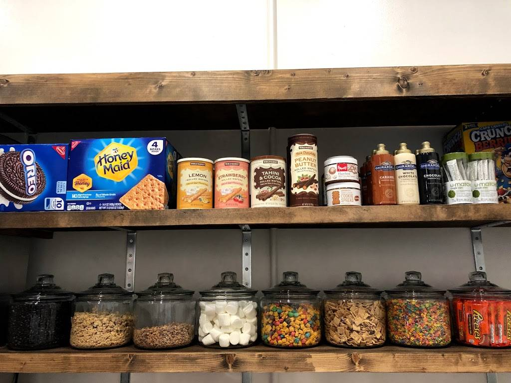 How We Roll Ice Cream   restaurant   6311, 104 S Church St, Visalia, CA 93291, USA   5598023277 OR +1 559-802-3277