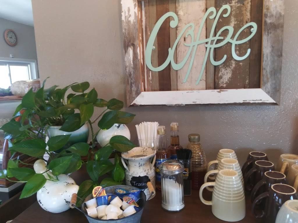 The Wooden Spoon Bakery & Cafe | restaurant | 305 N Benton St, Brighton, IA 52540, USA | 3195308139 OR +1 319-530-8139