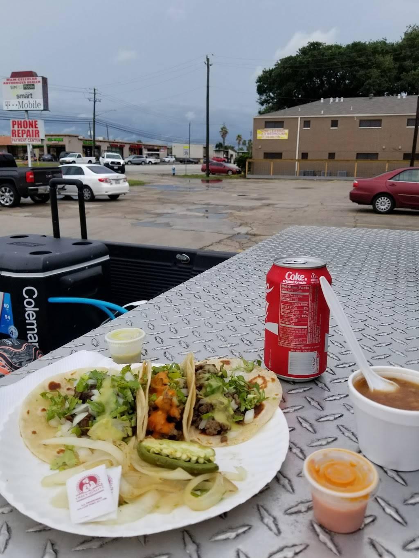 El Borrego Taqueria | restaurant | 3936 S Shaver St, Houston, TX 77034, USA | 8328870542 OR +1 832-887-0542