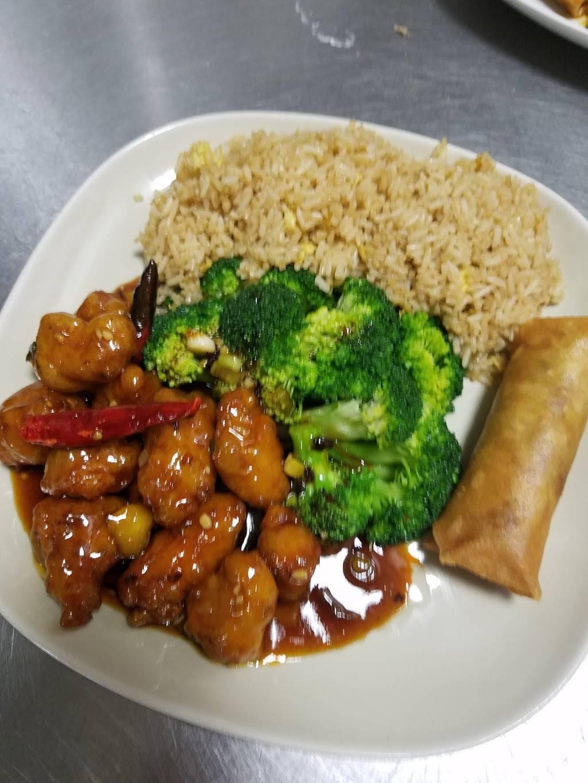 Shiny Wok - Restaurant | 3526 Lakeview Pkwy, Rowlett, TX