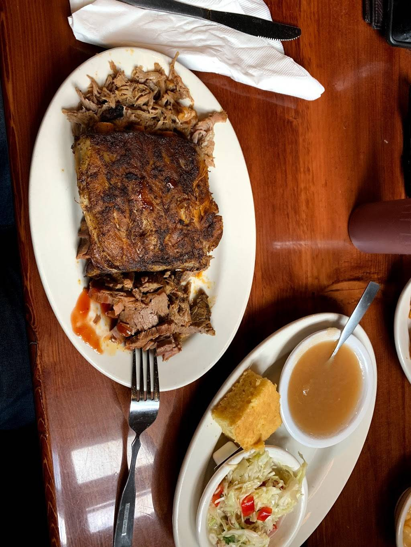 Bobs Bitchin BBQ   restaurant   167 N Iowa St, Dodgeville, WI 53533, USA   6089302227 OR +1 608-930-2227