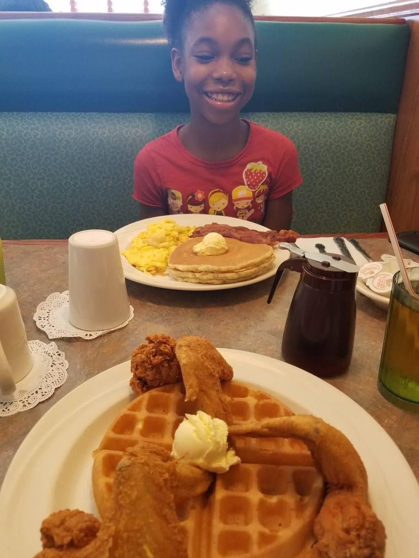 Marias Pancake House | restaurant | 18220 Kedzie Ave, Hazel Crest, IL 60429, USA | 7082063916 OR +1 708-206-3916