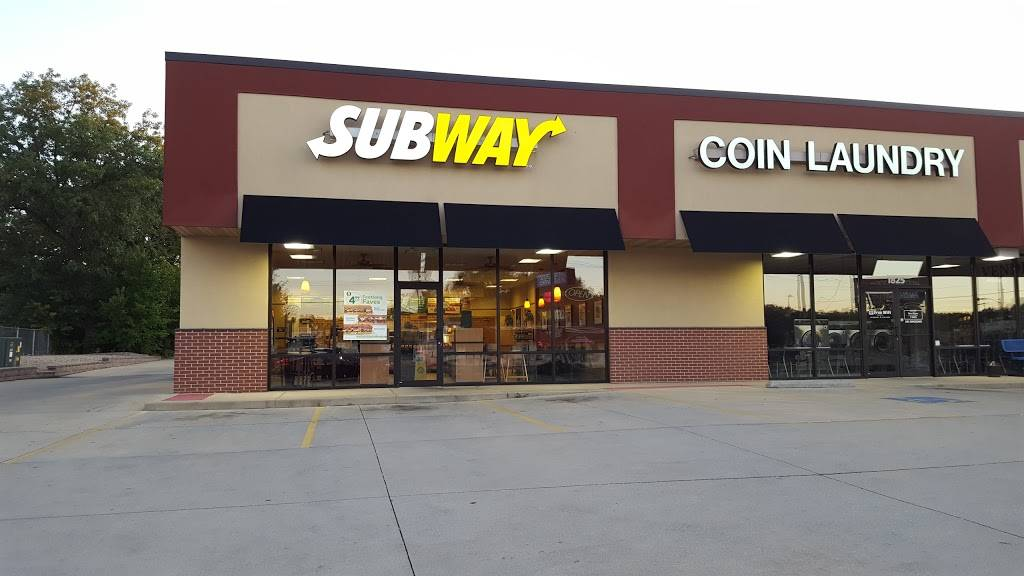 Subway | restaurant | 1827 W Jefferson St, Springfield, IL 62702, USA | 2177879988 OR +1 217-787-9988