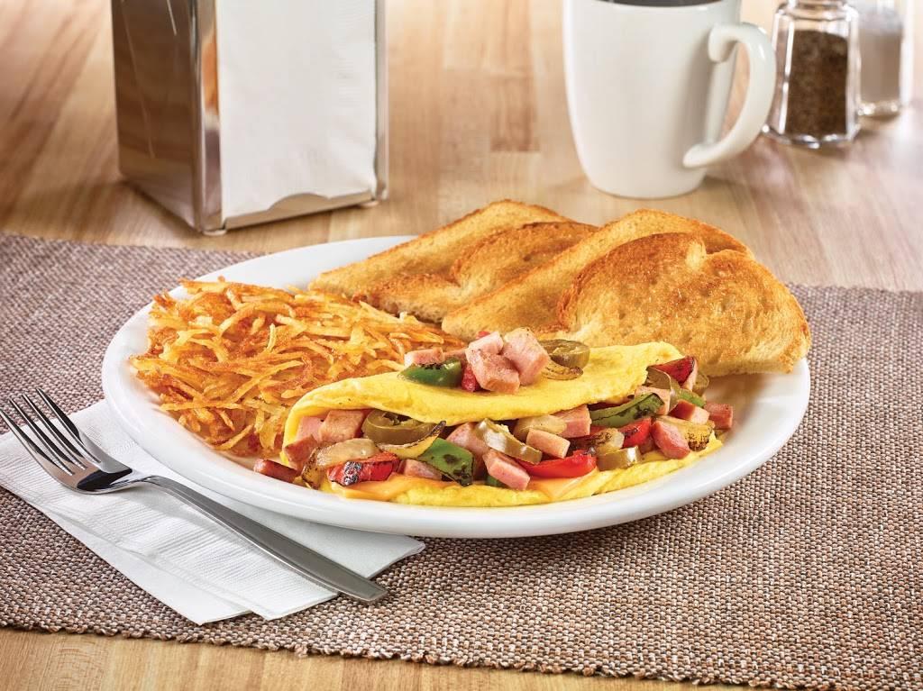 Dennys | restaurant | 14550 Baldwin Park Towne Center, Baldwin Park, CA 91706, USA | 6263380217 OR +1 626-338-0217