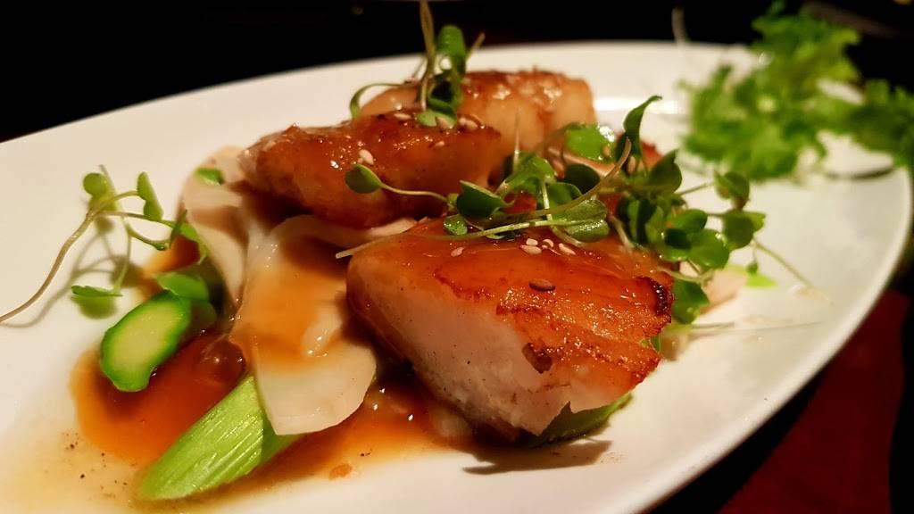 Asuka Sushi | restaurant | 300 W 23rd St, New York, NY 10011, USA | 2127270888 OR +1 212-727-0888