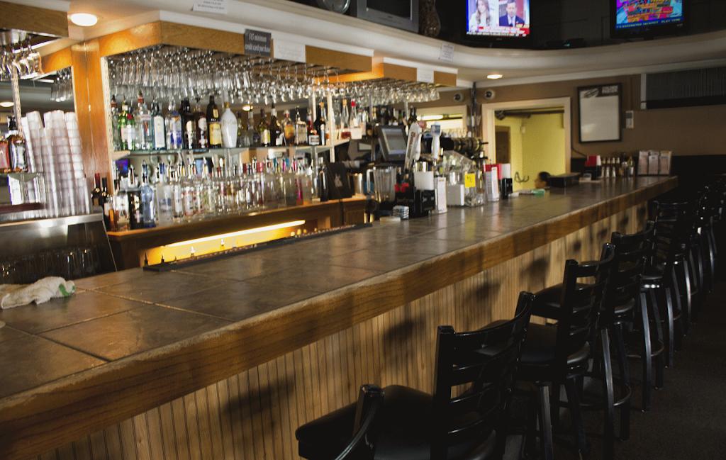 Portas Da Cidade | restaurant | 231 State Rd # A, Westport, MA 02790, USA | 5086744004 OR +1 508-674-4004