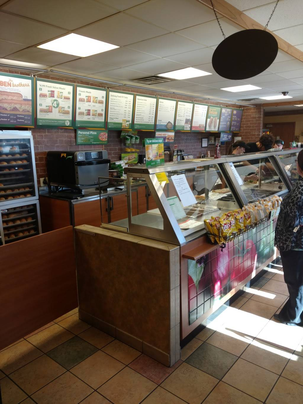 Subway   meal takeaway   1803 N Lincoln Ave, York, NE 68467, USA   4023621613 OR +1 402-362-1613