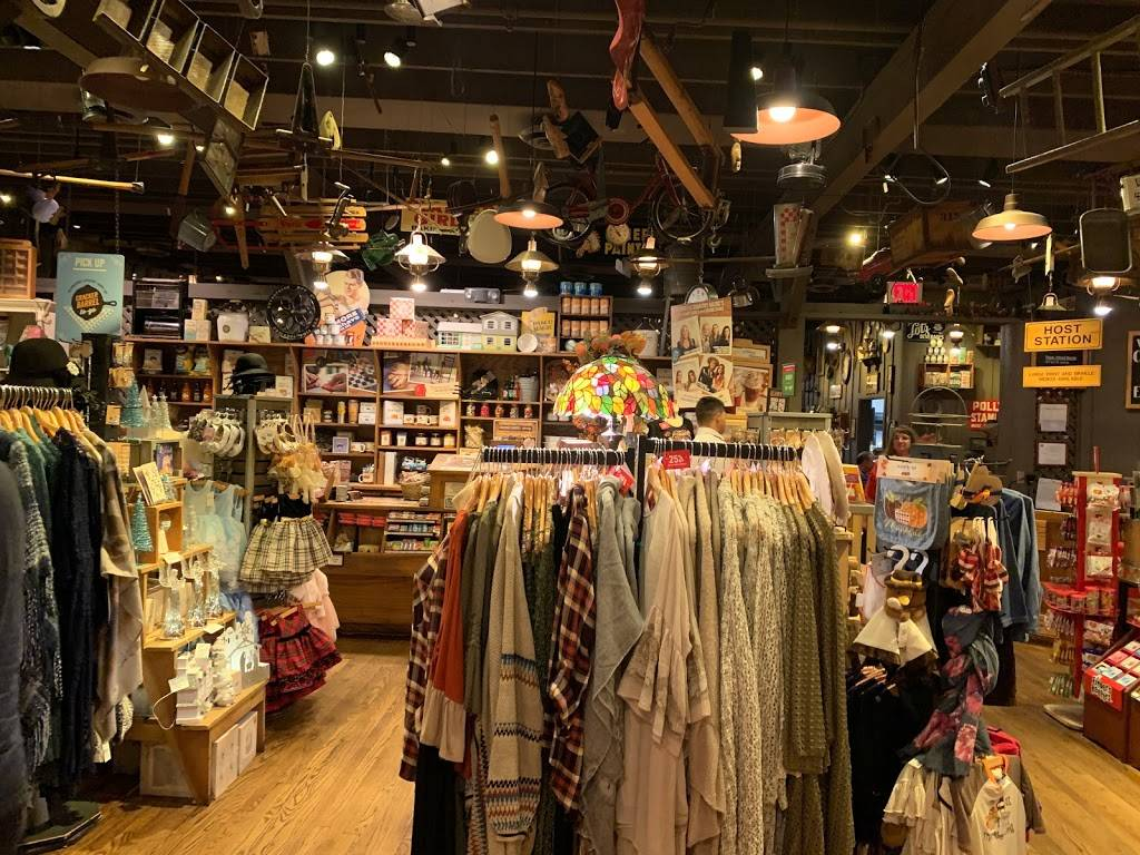 Cracker Barrel Old Country Store | restaurant | 6700 N 27th St, Lincoln, NE 68521, USA | 4024764901 OR +1 402-476-4901