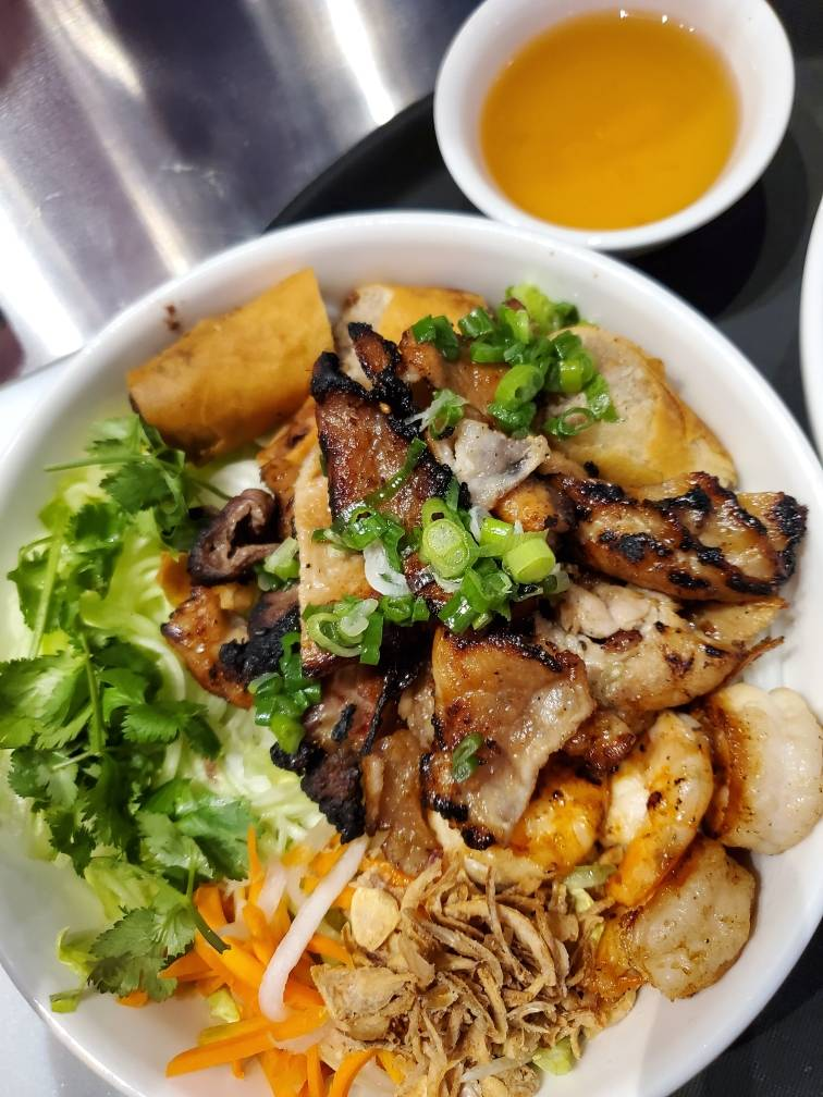 PHO 4 U Vietnamese Cuisine | restaurant | 3835 N 124th St, Brookfield, WI 53005, USA | 2624399149 OR +1 262-439-9149