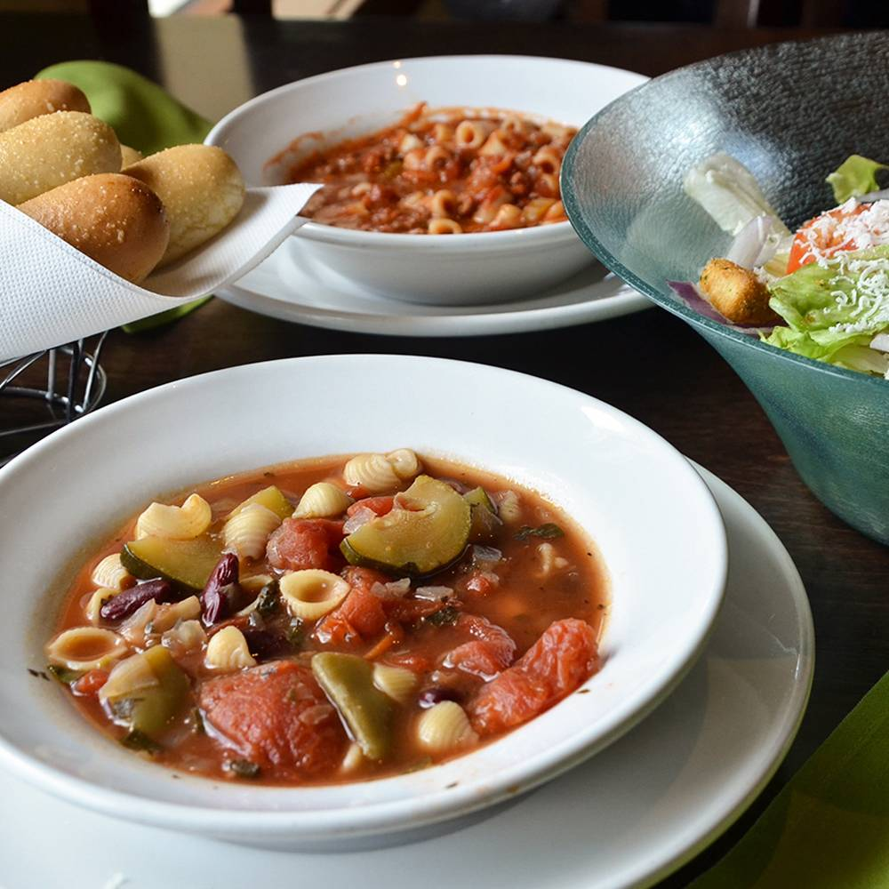Olive Garden Italian Restaurant | meal takeaway | 200 N Galleria Dr, Middletown, NY 10941, USA | 8456928232 OR +1 845-692-8232