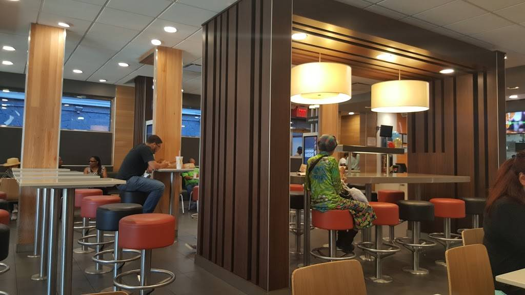 McDonalds | cafe | 1872 3rd Ave, New York, NY 10029, USA | 2129962864 OR +1 212-996-2864