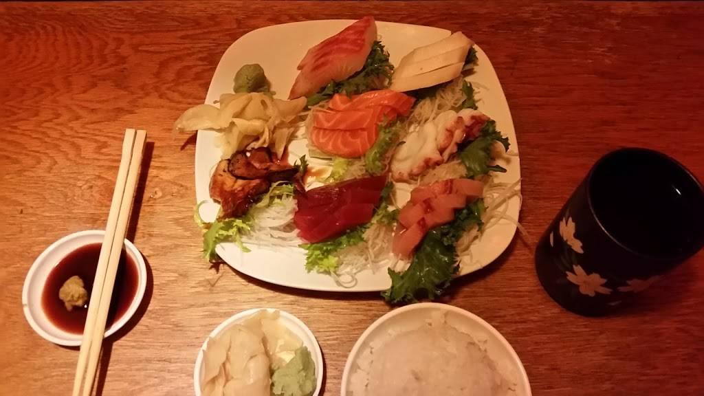 U-Yee Sushi & Hibachi | restaurant | 675 US-1 #12, Iselin, NJ 08830, USA | 7322837888 OR +1 732-283-7888