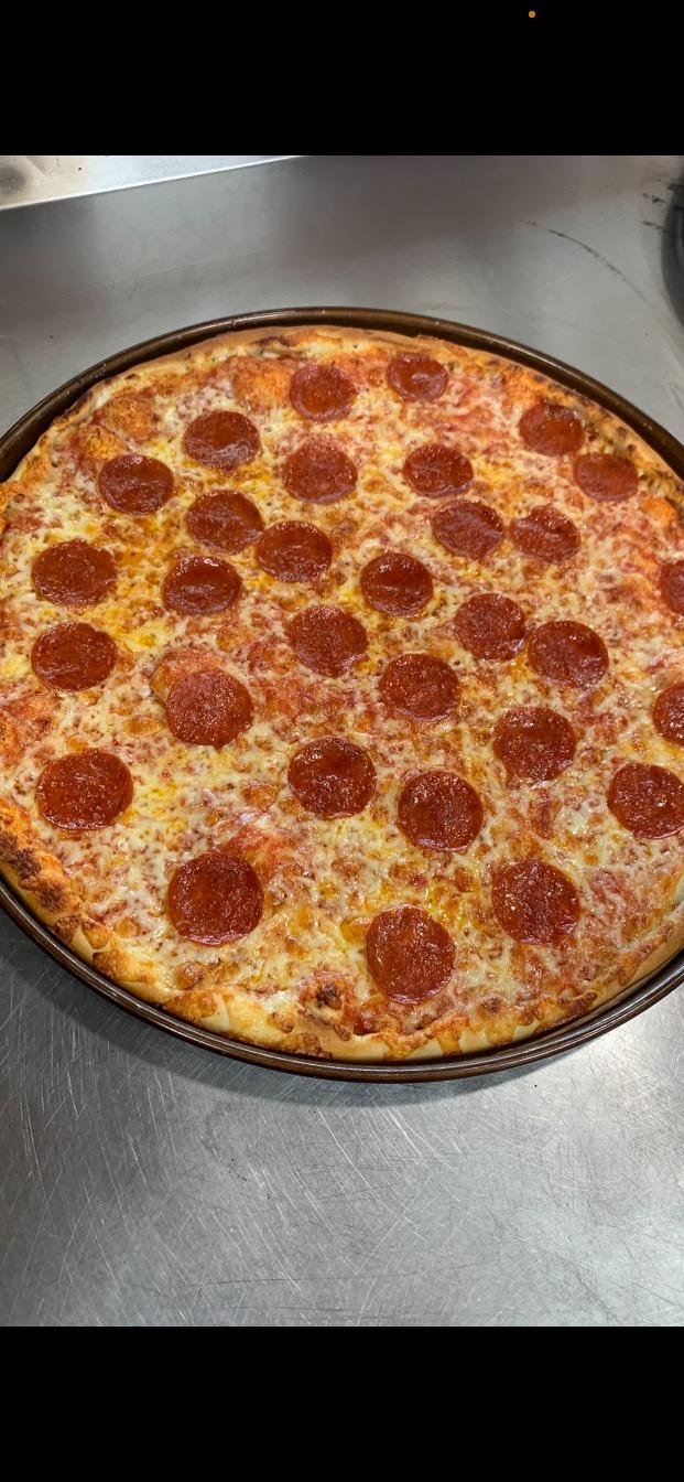 Royal Pizza of Pembroke | restaurant | 125 Church St STE 150, Pembroke, MA 02359, USA | 7812031718 OR +1 781-203-1718
