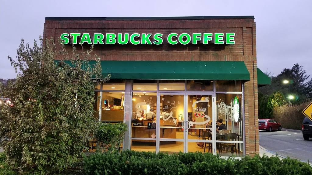 Starbucks | cafe | 506 Larkfield Rd, East Northport, NY 11731, USA | 6312661879 OR +1 631-266-1879