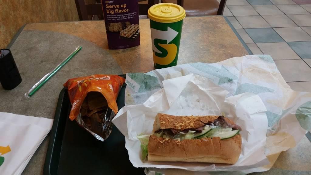 Subway Restaurants   restaurant   21-09 Broadway, Astoria, NY 11106, USA   7187268868 OR +1 718-726-8868