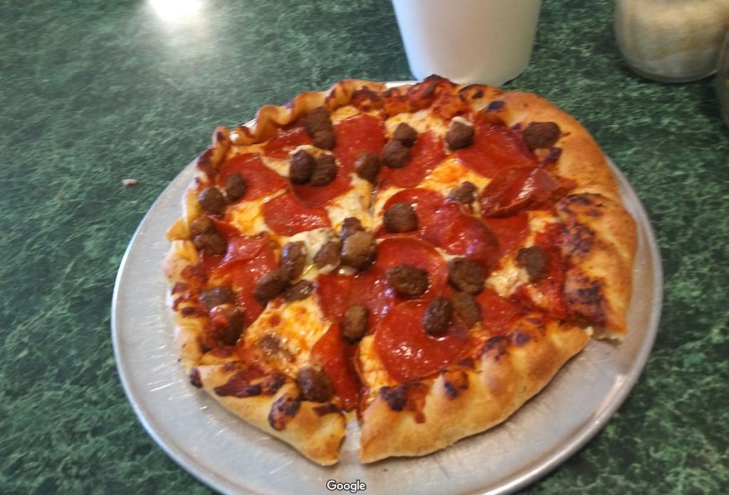 Piazza Deli & Pizzeria | restaurant | 1312 Hwy Dd, Defiance, MO 63341, USA | 6363983354 OR +1 636-398-3354