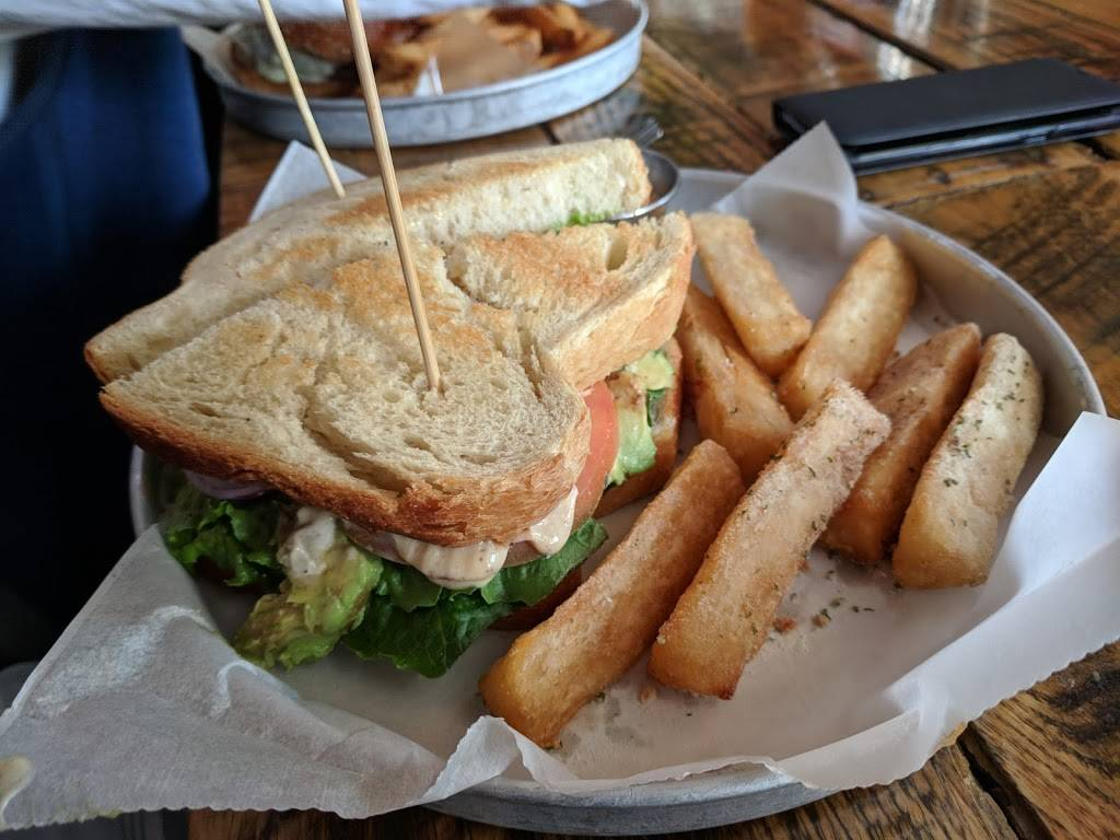 Foundry Kitchen and Tavern | restaurant | 1 Glen Rd, Sandy Hook, CT 06482, USA | 2034912030 OR +1 203-491-2030