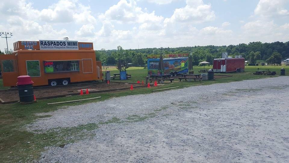 Chez Mae Food Truck | restaurant | 4618 North College Avenue, Springdale, AR 72764, USA | 4794668844 OR +1 479-466-8844