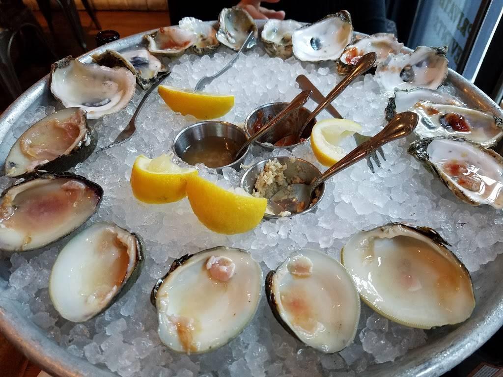 Dorlans Tavern & Oyster Bar | restaurant | 213 Front St, New York, NY 10038, USA | 2127792222 OR +1 212-779-2222