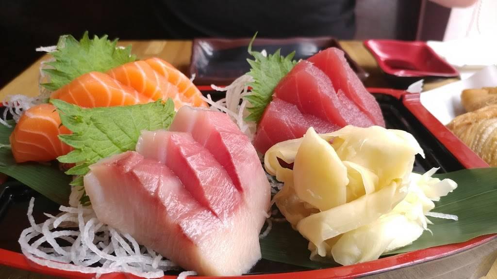 Sushi Station Webster Groves : I like that it's in webster groves.
