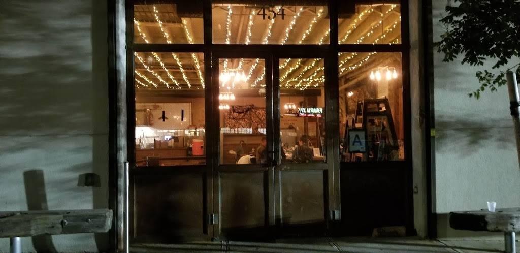 Hometown Bar-B-Que | restaurant | 454 Van Brunt St, Brooklyn, NY 11231, USA | 3472944644 OR +1 347-294-4644