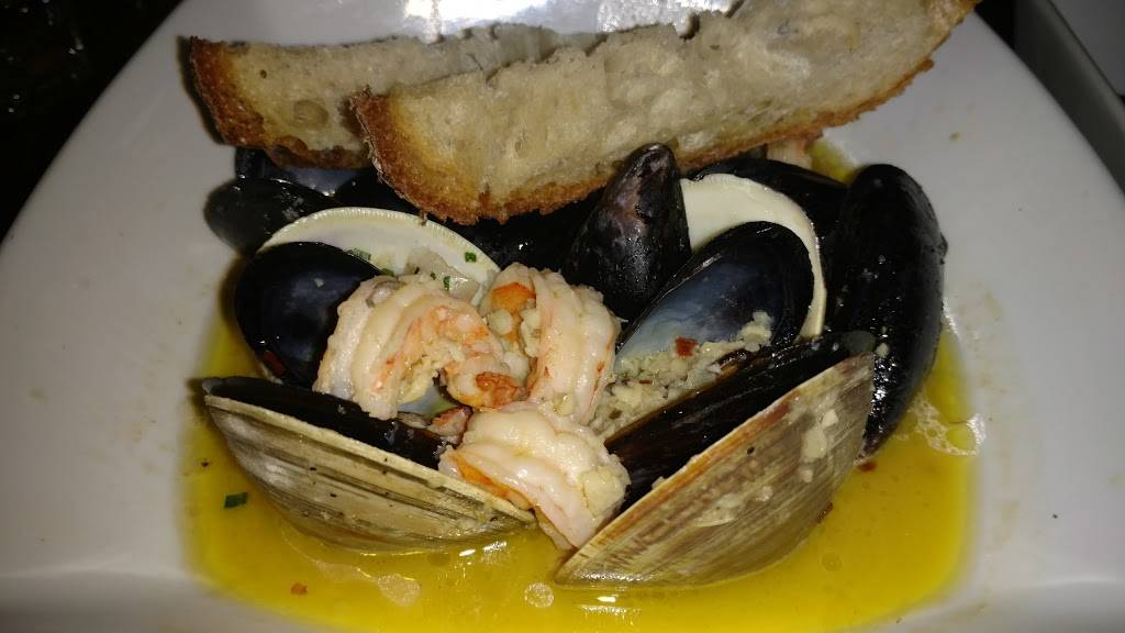 Della   restaurant   1238 Prospect Ave, Brooklyn, NY 11218, USA   7186330249 OR +1 718-633-0249