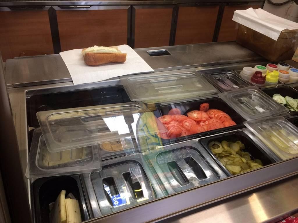 Subway Restaurants | restaurant | 1 Hudson Pl, Hoboken, NJ 07030, USA | 2012169997 OR +1 201-216-9997
