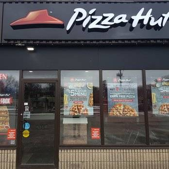 Pizza Hut | meal delivery | 669 10th St W, Owen Sound, ON N4K 3R8, Canada | 5193715660 OR +1 519-371-5660