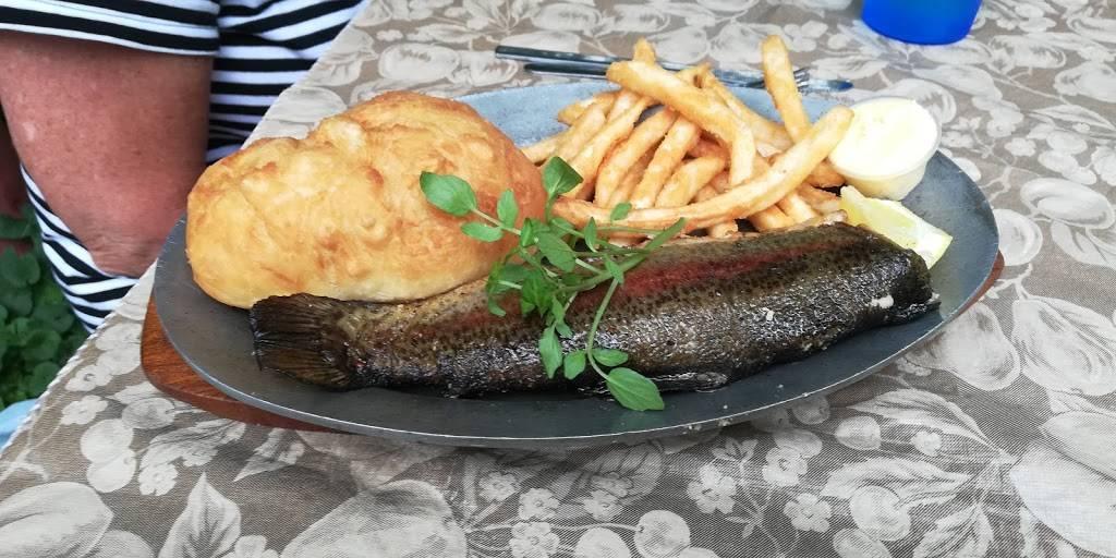 Deer Cliff Inn Restaurant | restaurant | 2016 N Deercliff Rd, Preston, ID 83263, USA | 2088520643 OR +1 208-852-0643