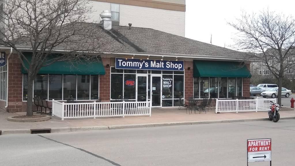 Tommy's Malt Shop - Restaurant   2 River Bend Pl, Chaska, MN 55318, USA
