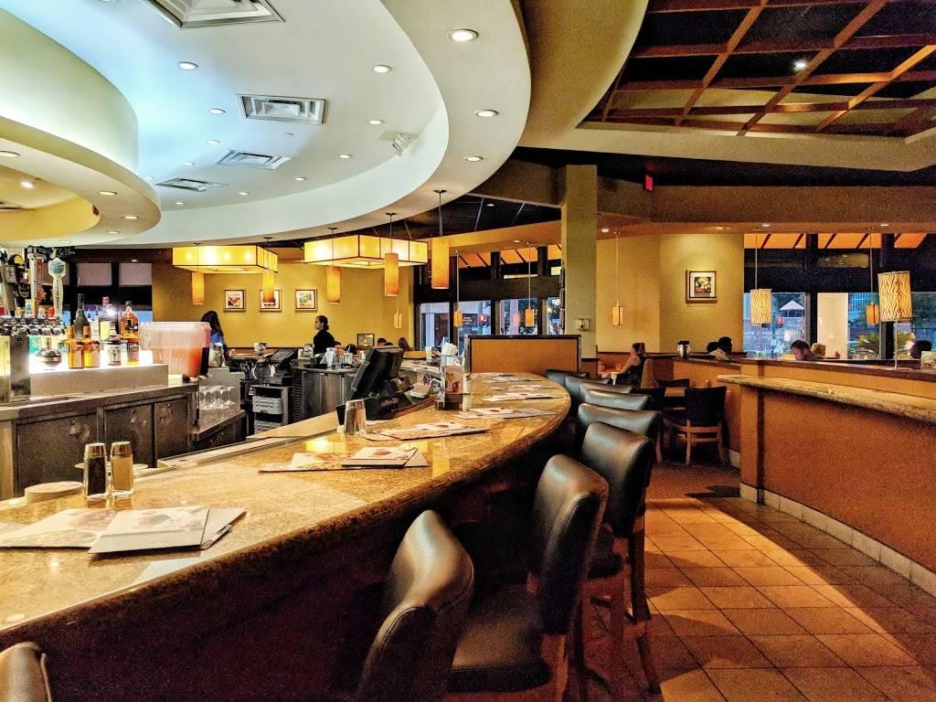 California Pizza Kitchen at MacArthur Center | restaurant | 300 Monticello Ave Suite 149, Norfolk, VA 23510, USA | 7576227190 OR +1 757-622-7190