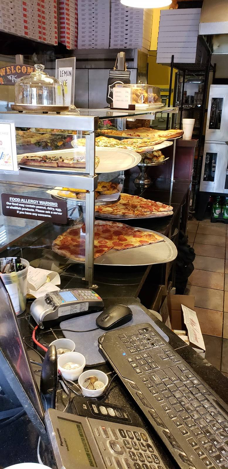 Franks Pizza | meal delivery | 272 Old River Rd, Edgewater, NJ 07020, USA | 2019415001 OR +1 201-941-5001