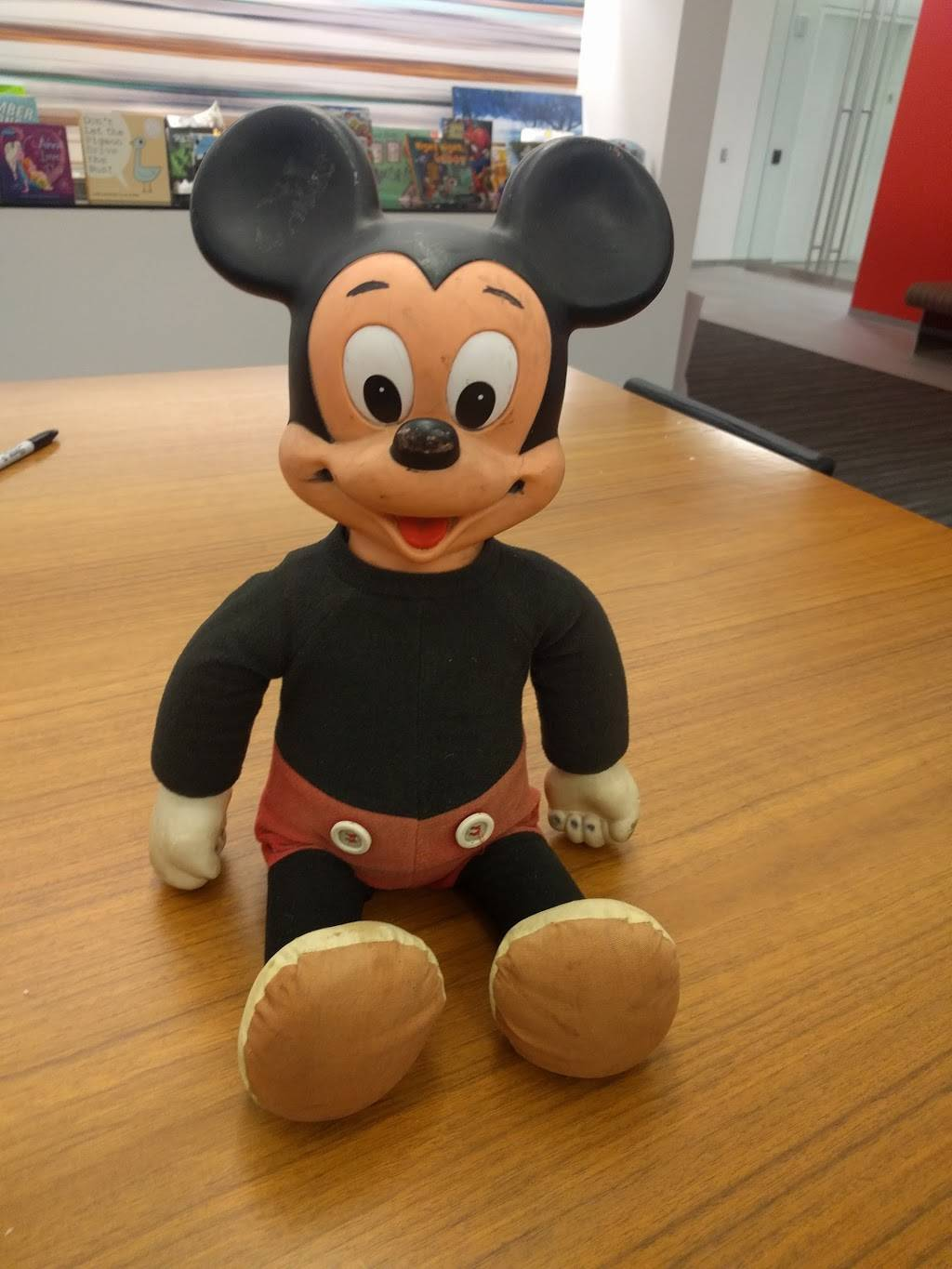 Disney ABC Cafeteria | restaurant | 125 West End Ave, New York, NY 10023, USA | 2124565357 OR +1 212-456-5357