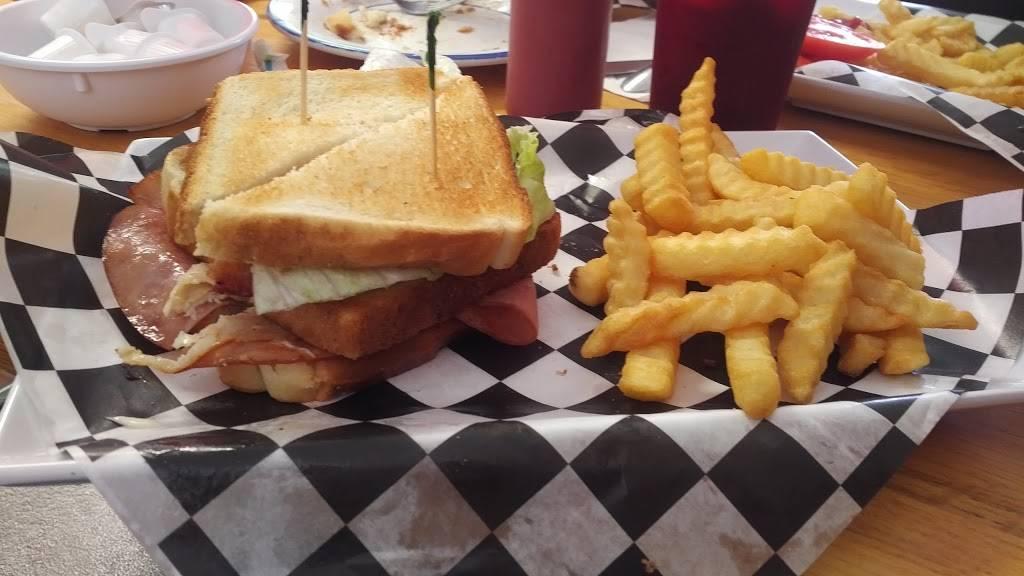 Greens Fork Family Diner | restaurant | 17 E Pearl St, Greens Fork, IN 47345, USA | 7658864663 OR +1 765-886-4663