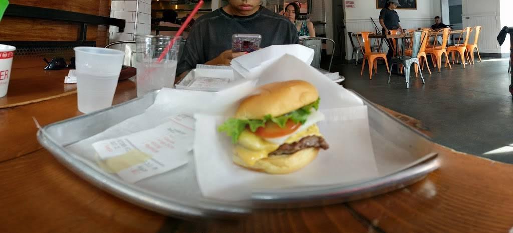 Yo-Burger | restaurant | 3726 Riverdale Ave, Bronx, NY 10463, USA | 7187086828 OR +1 718-708-6828
