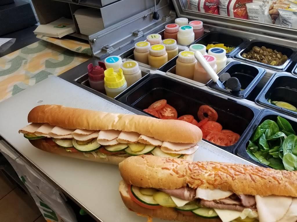 Subway | meal takeaway | 138 Cambridge St, Boston, MA 02114, USA | 6177224068 OR +1 617-722-4068