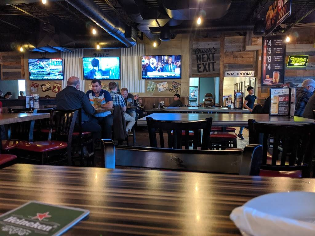 Chucks Roadhouse Bar & Grill | restaurant | 261 Woodlawn Rd W, Guelph, ON N1H 8J1, Canada | 5192656662 OR +1 519-265-6662