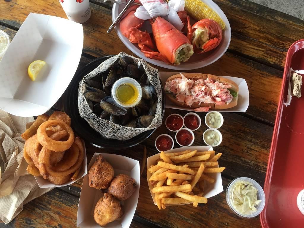 Captain Scotts Lobster Dock   restaurant   80 Hamilton St, New London, CT 06320, USA   8604391741 OR +1 860-439-1741