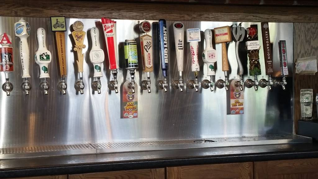 Mr Brews Taphouse | restaurant | 300 N Century Ave, Waunakee, WI 53597, USA | 6088494644 OR +1 608-849-4644